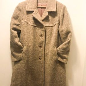 Jackets & Blazers - Beautiful condition Vintage Oatmeal wool coat. XL